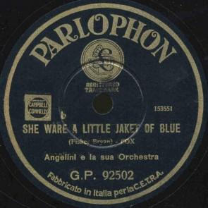 She ware a little jaket of blue
